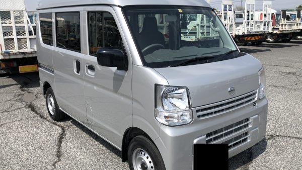 新車 日産 NV100クリッパーバン